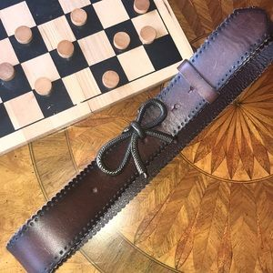 Accessories - Bow tie buckle belt